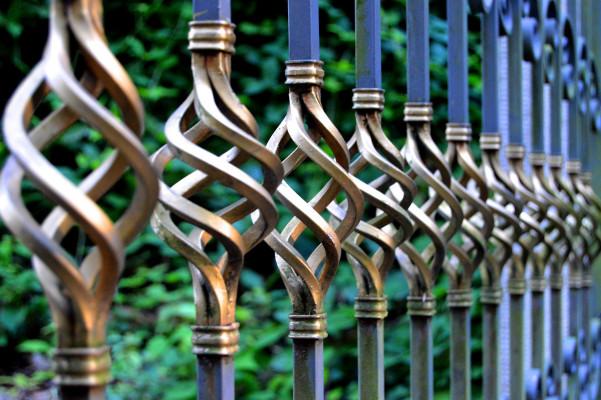 5 piese de fier forjat care iti pot infrumuseta casa